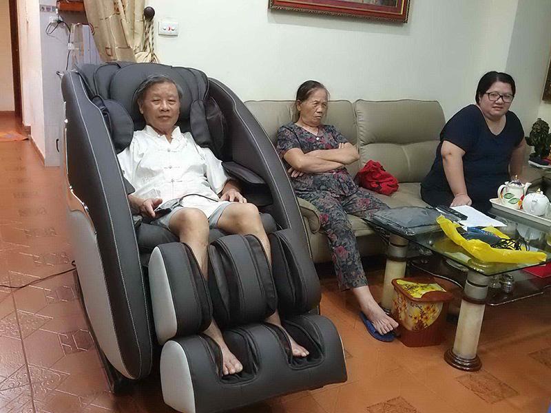 Ghế masasge phục hồi chức năng thích hợp để chăm sóc sức khỏe người cao tuôi